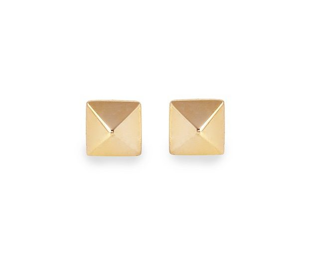 Mini pyramids heading to @theshoplaguna for the holidays #14kgoldplate #earrings #studs #holidays #gifts #theshop #alexisjewelry