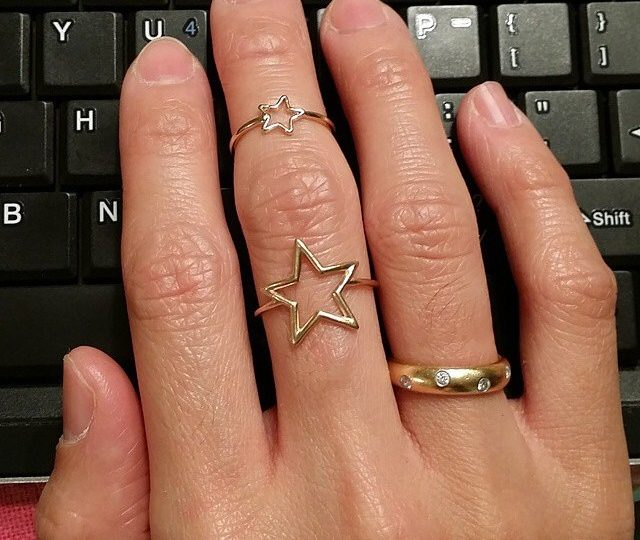 Love how @msgro paired her new star ring ️#rings #stars #14kgold #alexisjewelry
