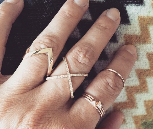 Zig zags and criss crosses #yellowgold #diamonds #rings #moreplease #alexisjewelry