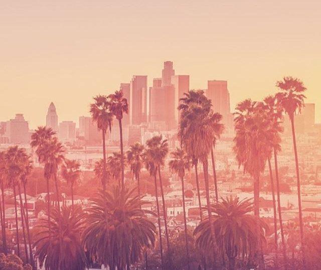 We ️️ you, LA! #losangeles #la #westhollywood #laurelcanyon #dtla #alexisjewelry #finejewelry #diamonds #gold #rosegold #yellowgold #whitegold #blackdiamonds #madeinla #palm #dusk #sunset #evening #happyhour Repost from @starmapla