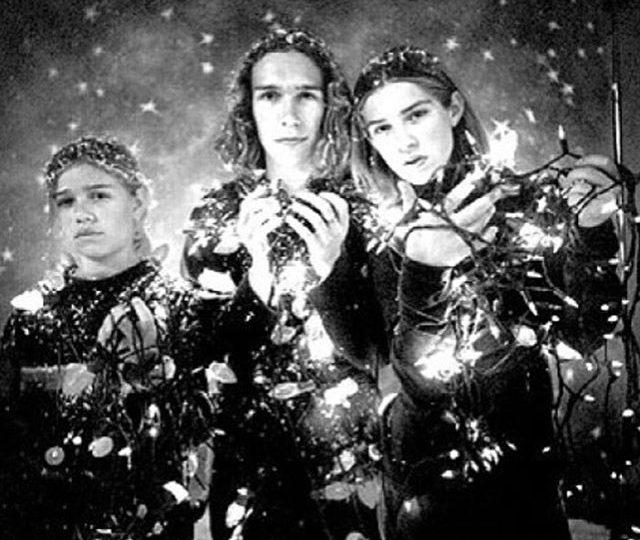 Merry Christmas ️️ xx Hanson #alexisjewelry #finejewelry #madeinla #losangeles #merrychristmas #christmasday #xmas #hansonbrothers #hanson #jewelry #lovedones #mostwonderfultimeoftheyear #winter #holidays #holidayseasonj